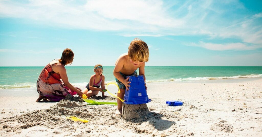 4 Money Lessons Kids Can Learn on Vacation: Family vacations are a great opportunity to teach kids about money - from planning to budgeting to spending.