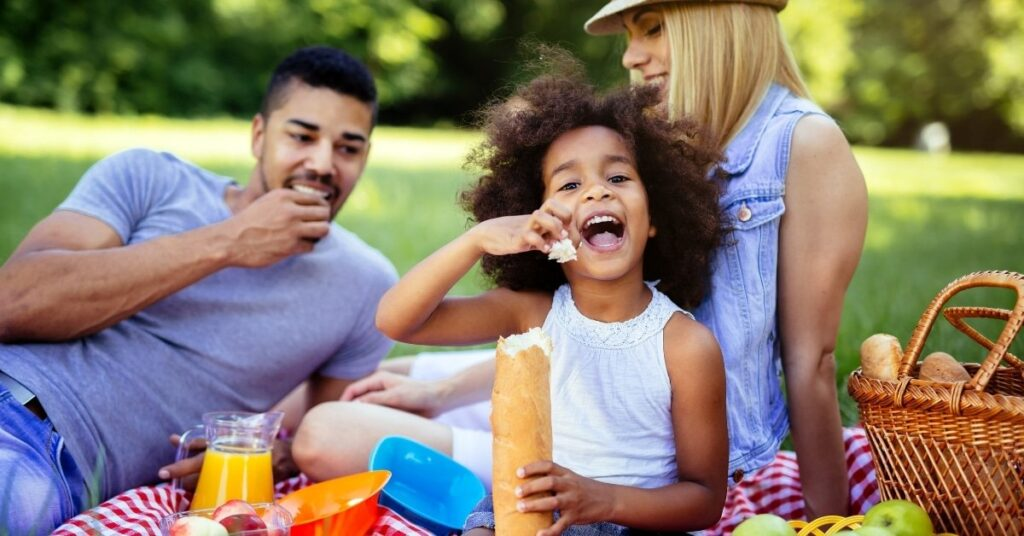 family picnic, things to do in the summer